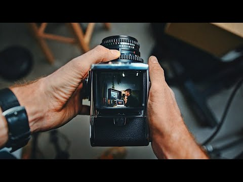 , title : 'What You Need to Know to be a Professional Photographer