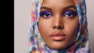 حليمة عدن أول عارضة أزياء محجبة في العالم من أصول صومالية