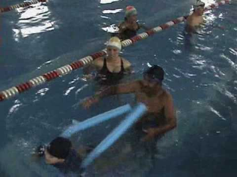 Veure vídeo Síndrome de Down: Natación en Family Down