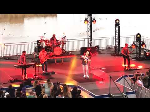Daughtry - Performs Back In Time (Live) - Sea World Orlando 2018
