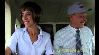 """Скрытая камера. Пилот выходит из самолета. Оставшийся пасажир """"вспоминает прожитую жизнь"""""""