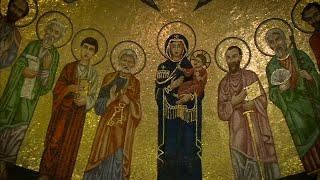 Transmissió en directe des de l'església prelatícia a Roma