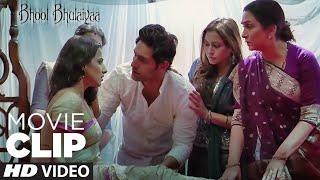 Radha Kaisi Hai ?   Bhool Bhulaiyaa   Movie Clip   Akshay Kumar, Vidya Balan