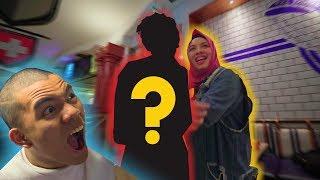 Video Siapa LELAKI yang bersama kakakku  SEKARANG!! **mamaaaaaaa* MP3, 3GP, MP4, WEBM, AVI, FLV September 2019