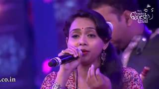 """Baaro Bengalurige"" by Ananya Bhat in the Raghu Dixit concert at the 55th Bengaluru Ganesh Utsava"