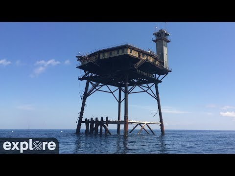 Live feed from Frying Pan oil rig off coast of North Carolina.. Dorian is getting very close, and it's terrifying