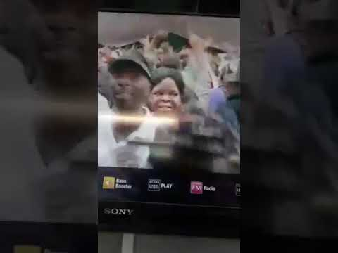 Mnangagwa dances to Kutonga Kwaro (mobi video)