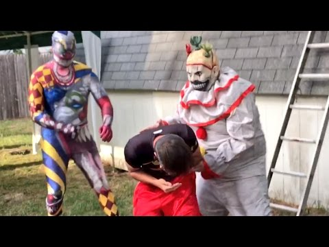 CREEPY CLOWNS FROM THE WOODS STEAL KIDS FROM FAMILIES!!