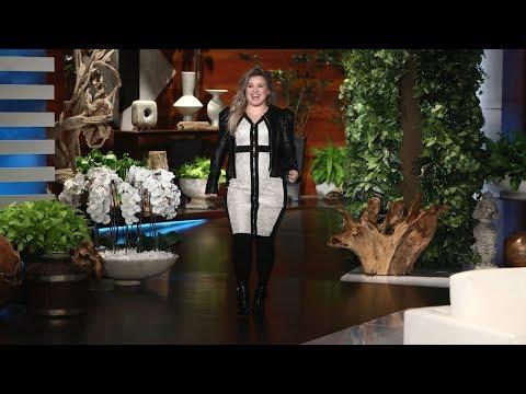 Kelly Clarkson Talks Choosing 'The Voice' Over 'American Idol'