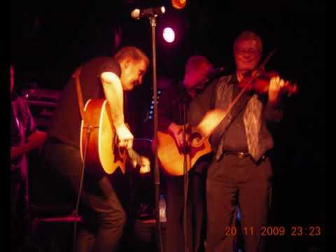 Johnny Logan & Michael Sherrard - Memories in a Christmas version ;)