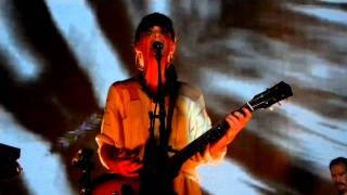 Feist - A Commotion