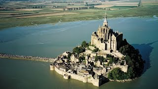 15 Craziest Medieval Buildings