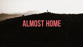 Kadr z teledysku Almost Home tekst piosenki Matt Boswell
