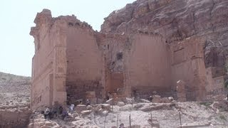 preview picture of video 'Qasr al-Bint Far'oun Temple - Jordan'
