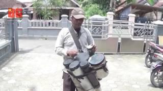 Video Seniman Jalanan Yang Sangat Kreatif Nyanyikan Lagu Lagu Religi Sambut Ramadhan