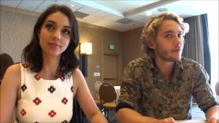 Adelaide Kane et Toby Regbo pour BuddyTV