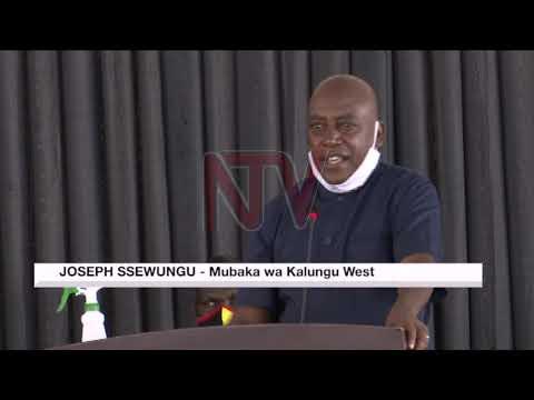 Ababaka bagamba gavumenti egira erindako okuggulawo amasomero