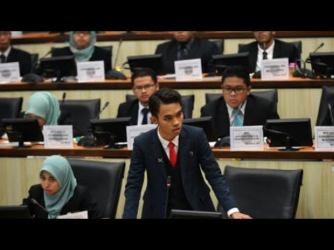 """Saya student, saya juga Ahli Dewan Negara, call me Senator"""