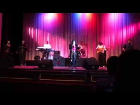 Rebbie Jackson: Fly Away (Live)