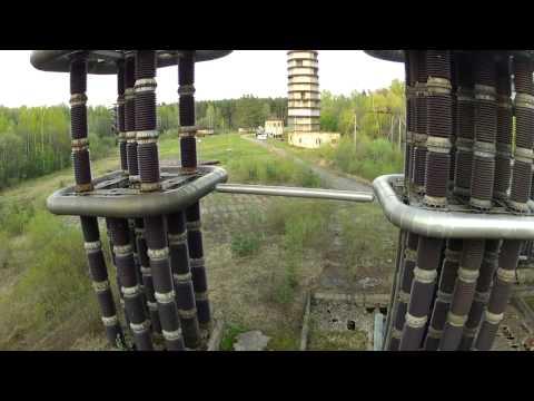 LA LEGGENDARIA TESLA TOWER COSTRUITA E TESTATA IN RUSSIA