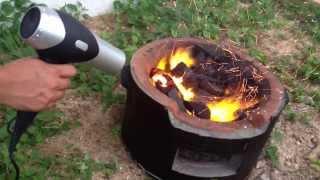 Смотреть онлайн Как раздуть угли на мангале за 20 секунд
