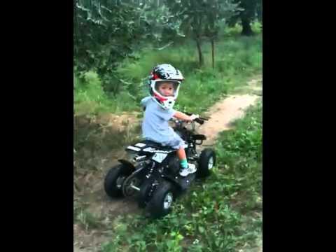 Mini quad bimbo 3 anni