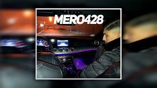 MERO428   MIT DEN HOODIES AUF JACKY