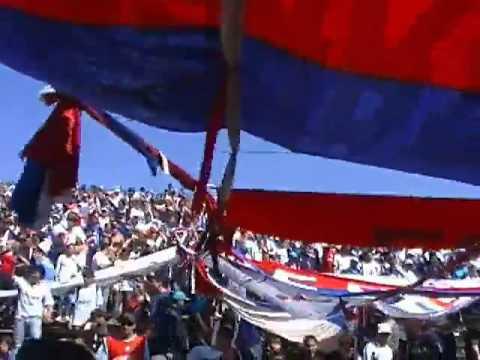 """""""LA BANDA ENTRANDO AL TROCCOLI APERTURA 2010"""" Barra: La Banda del Parque • Club: Nacional"""