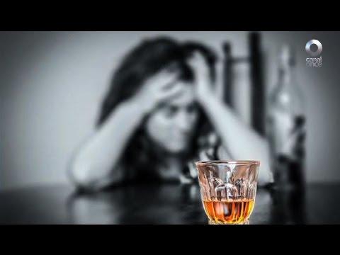 El alcoholismo y la borrachera de la foto