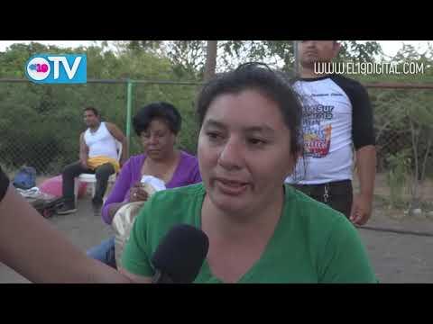 Nagarote, Nicaragua Celebrando al Amor en Calle de los Besos en la Costa Sur de Nagarote
