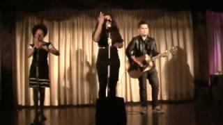 """Divine Brown """"Sunglasses"""" Acoustic Live"""