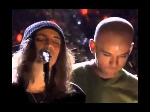 "EXCLU : R.E.M et Patti Smith : ""E-Bow the Letter"" (Live in New York)"