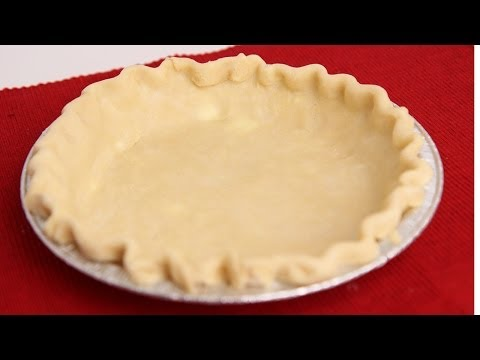 How to Make Basic Pie Crust – Recipe by Laura Vitale – Laura in the Kitchen Episode 194