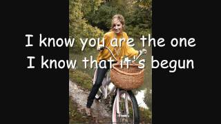 Ashley Tisdale It's the way Lyrics