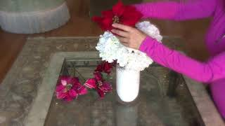 Easy DIY holiday flower arranging!