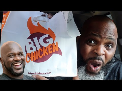 Reviewing Food At Shaq's BIG CHICKEN Restaurant | SMASH or PASS?