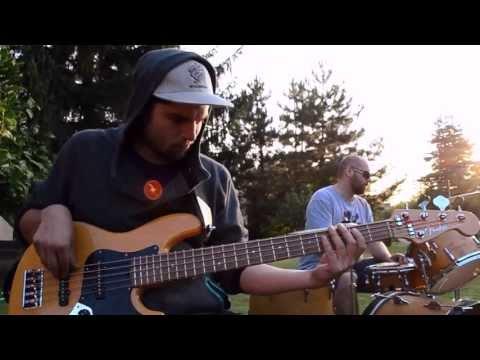Distanc - Trenchtown - Medial Banana - Reprezent ft. N3O/Ryhha/Jr.Smile/Distanc/Loopata