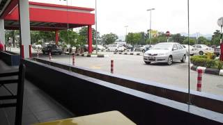 preview picture of video 'Nasi Kandar, P2, Pelita Restaurant, Tesco Ipoh, Food Hunt'