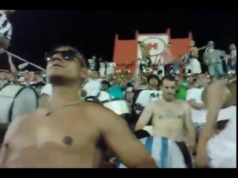 """""""Los pibes de los bombos / La Barra De Caseros en Huracán."""" Barra: La Barra de Caseros • Club: Club Atlético Estudiantes"""