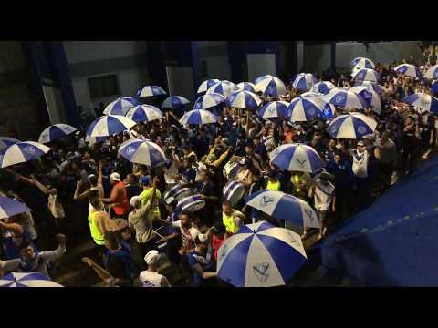 """""""La pandilla 2018 """"dicen que San Lorenzo """""""" Barra: La Pandilla de Liniers • Club: Vélez Sarsfield • País: Argentina"""