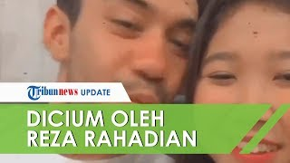 Komika Kiky Saputri Saling 'Cium' dengan Reza Rahardian, Banjir Komen dari Netizen