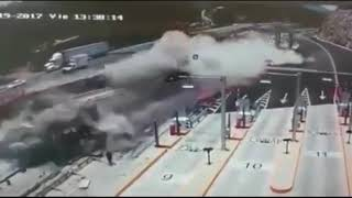 Аварии грузовиков и Фур Подборка 2017 c17d7e68 6c63 491c 89e7 928f2ddfc979