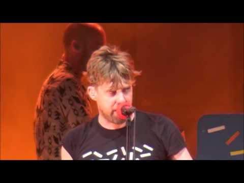 Kaiser Chiefs: The Angry Mob