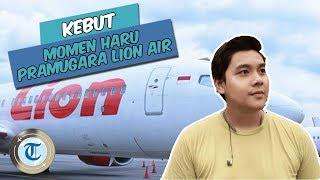 KEBUT | Viral Pramugara Lion Air Suapi Penumpang Lansia buat Menenangkan saat Lepas Landas