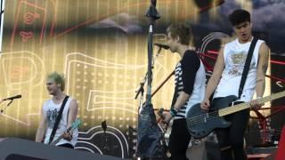 5 Seconds Of Summer - Teenage Dream cover (Barcelona 8/7/14 WWAT)