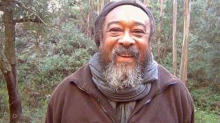 Walk with Mooji Baba - Love Nourishes Everything