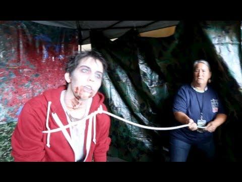 [2013] The Walking Dead Escape - Entire Course (HD POV) Zombie Obstacle Course at Comic-Con
