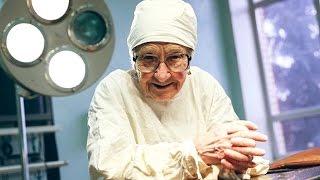 То, что делает эта пожилая женщина-Невозможно!!!