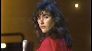 "Laura Branigan - ""Solitaire"" [cc] interview ""Deep In The Dark"" 1983"