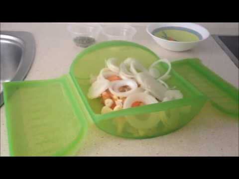 Merluza con tomate y orégano en estuche de vapor Lekue